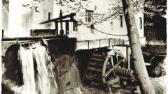 Mühle mit Mühlenrad